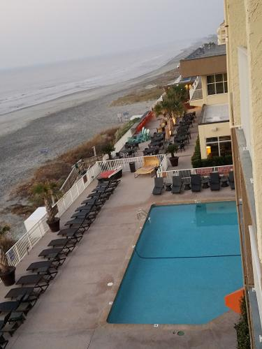 book tides folly beach hotel folly beach south carolina. Black Bedroom Furniture Sets. Home Design Ideas