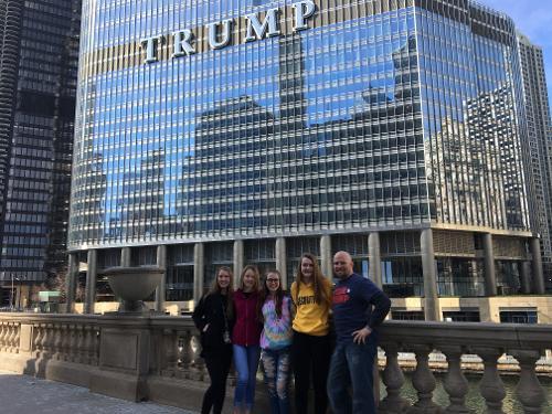 Trump international hotel tower chicago chicago for Hoteles en chicago