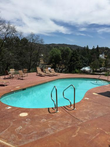 Book best western plus yosemite way station motel for Best hotels in united states