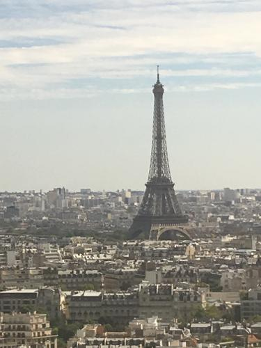 Book hyatt regency paris etoile paris from 138 night for Hotels 1 etoile paris