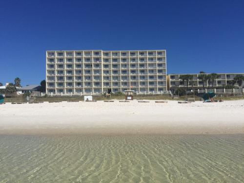 book beachside resort panama city beach from 64 night. Black Bedroom Furniture Sets. Home Design Ideas