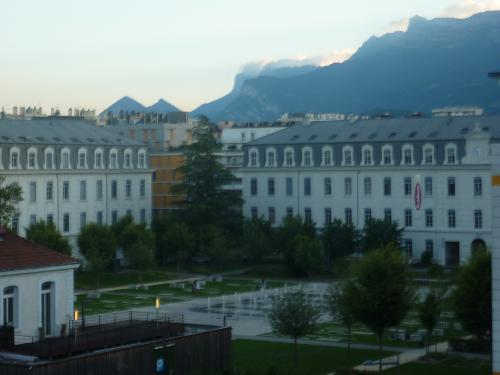Okko grenoble jardin hoche in grenoble for Hotels grenoble