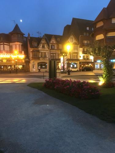 Book h tel barri re le normandy deauville deauville for Design hotel normandie france