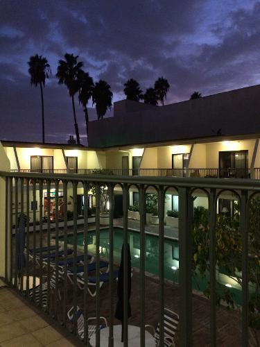 Book Days Inn Hollywood   Near Universal Studios  Hollywood