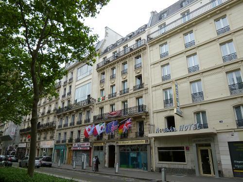 le r gent hostel montmartre in paris. Black Bedroom Furniture Sets. Home Design Ideas