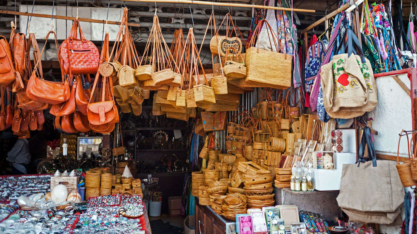 Things To See Do In Bali Balinese Traditional Market Ubud Art